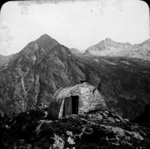 Photo 18 Hut on Mountain