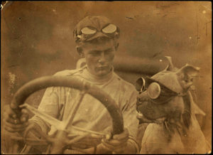 Photo 31 Motor Car Dog