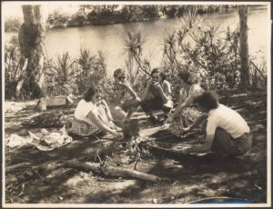Hospital sisters picnic beside the Katherine River, Northern Territory / Arthur Groom