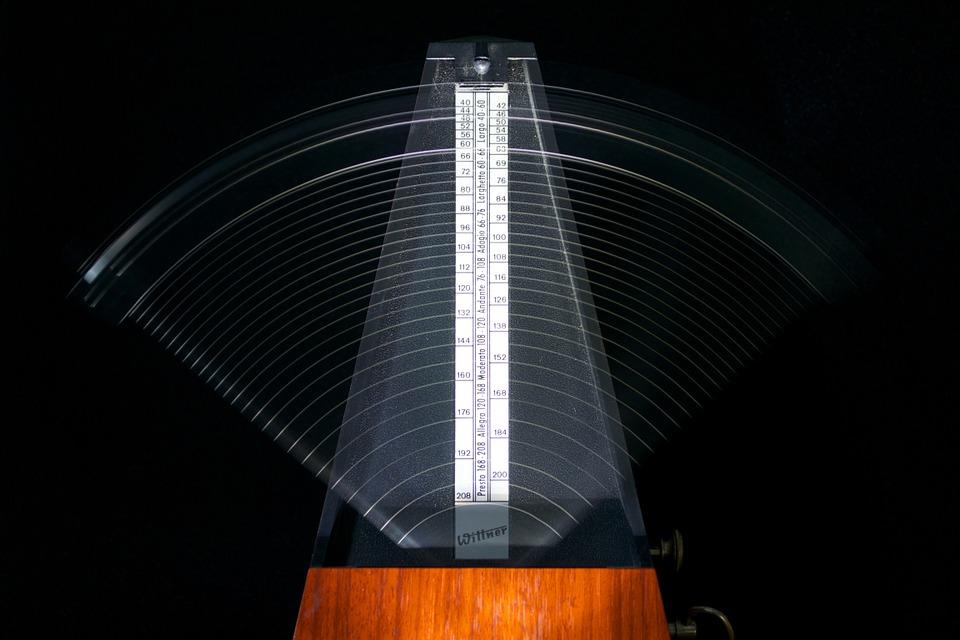 metronomes-812679_960_720